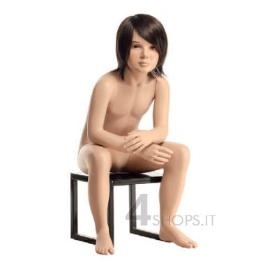 Manichino bambino 6 anni realistico con make up, posizione seduta 6A